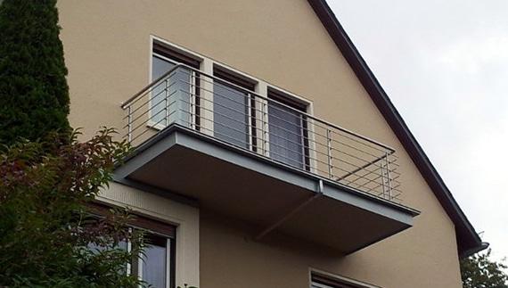 balkongeländer horizontale stäbe